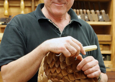 robert-howard-woodcarving50